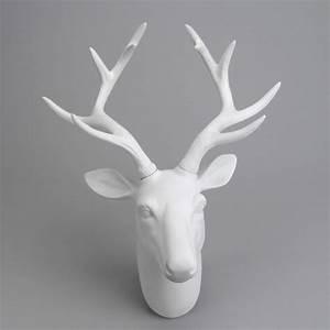 Deco Murale Blanche : tete de cerf blanche maison design ~ Teatrodelosmanantiales.com Idées de Décoration