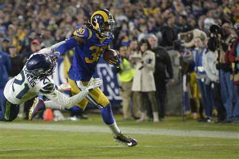 power rankings rams earn top spot  sunday night