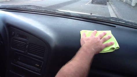 astuce pour nettoyer les sieges de voiture nettoyer plastiques intérieurs de la voiture astuce auto