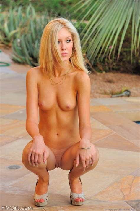 Emily Kae Sexy Blonde Showing Off Her Skinny Nude Body Freakolla