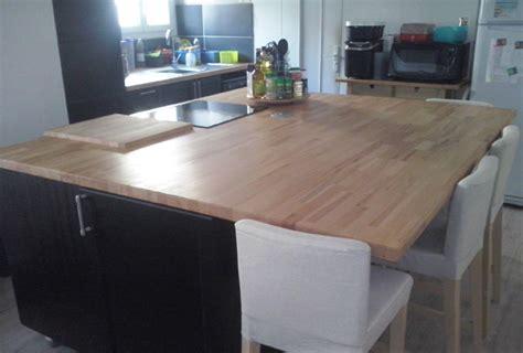 plan de travail central cuisine rénovation de cuisine sur mesure avec ilôt central en bois