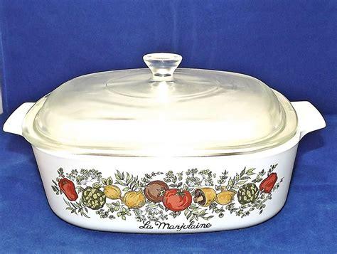 vintage corningware  qt casserole dish  pyrex lid spice  life    euc corningware