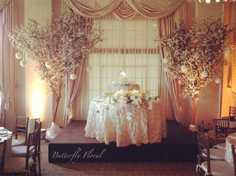 Fabulous Sweetheart Table At A Wedding Receptions