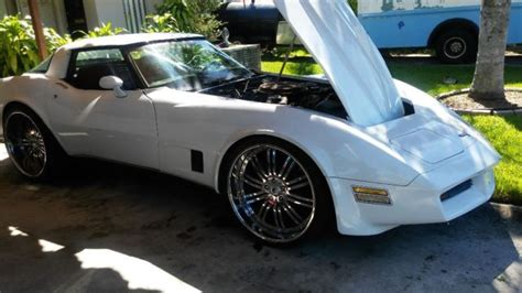 chevy corvette   garage runs great custom