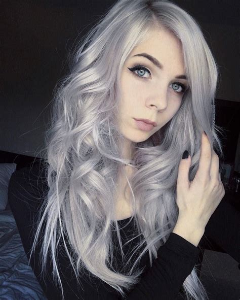28 Inspiring Silver Hair Color Ideas Platinum Hair Dye