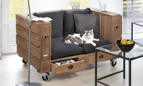 diy pallet sofa tutorial project   clever storage idea