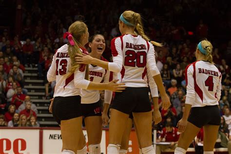 uw volleyball sweeps gophers   time   days