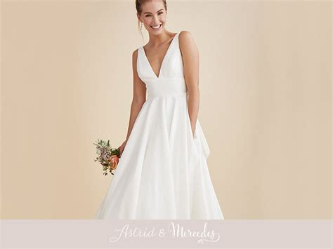 blog featuring lea ann belter bridal gowns dresses