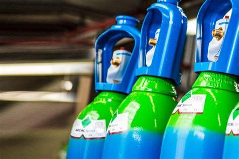 des bouteilles de gaz de air liquide