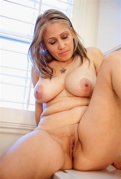 7 In Gallery Older Women Slut And Big Tits Picture 7