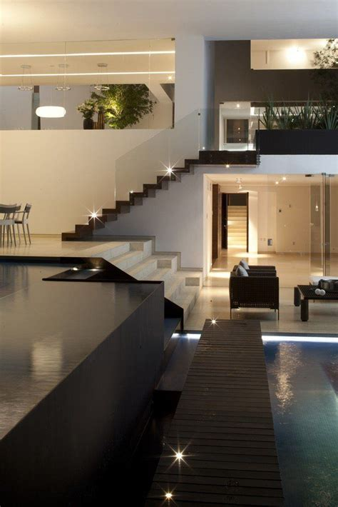 cool contemporary  luxury house designs uk