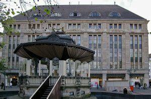 Umbau Carschhaus Wird Flagshipstore Von Saks Off 5th