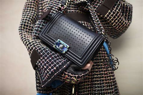 chanel spring summer  womens collection details  skinny beep