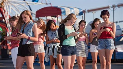 teen cell phone and technology managing cell phone usage