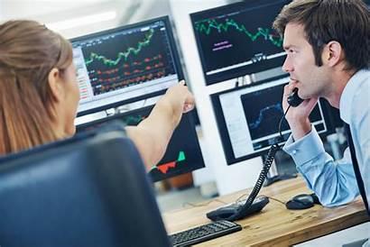 Broker Trader Salary Investors Getty Range Trading