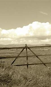 Rusty Gate Farm St John's Point Donegal Tint Photograph by ...