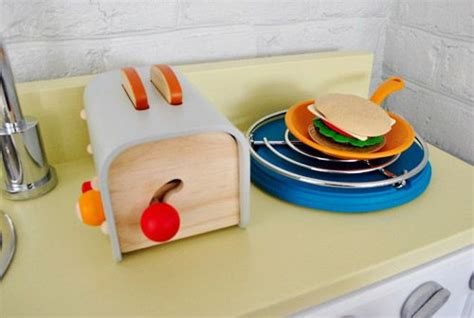 best play kitchen accessories 40 best images about play kitchen on stove 4583