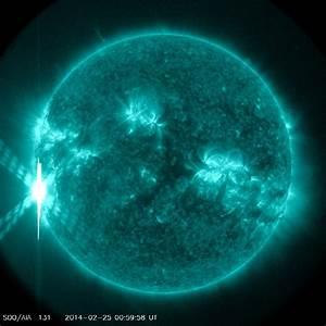 Sun Unleashes Monster Solar Flare, Biggest of 2014