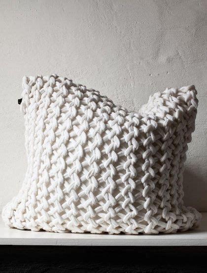 Kissen Stricken Dicke Wolle by Gestricktes Kissen Trend Spot H 252 Bsche Maschen Kissen