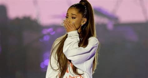 Ariana Grande Is 'not Okay' After Mark Hamill Tweeted Her