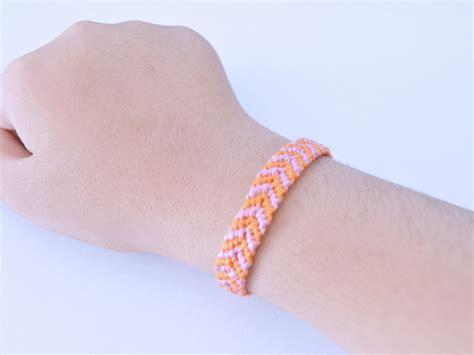 3 Easy Ways To Make A Cross Knot Friendship Bracelet