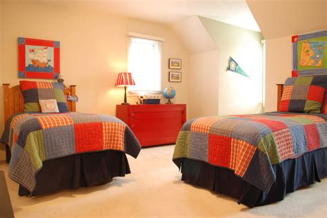 How To Decorate A Bedroom With Twin Bed Ideas