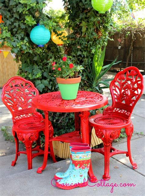 hometalk outdoor bistro set spray paint makeover