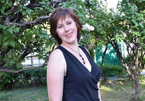 mature ukrainian woman irina from kharkov 51 yo hair color brown