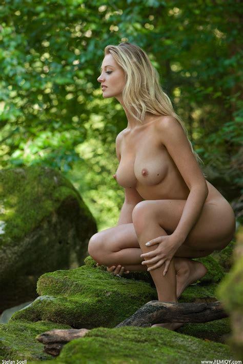 Naked Carisha Maja In Ladyhawk