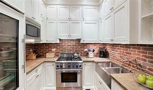 50 best kitchen backsplash ideas for 2018 for Kitchen colors with white cabinets with rouleaux papier peint