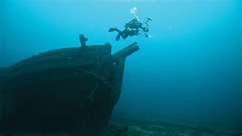 diving   national marine sanctuaries