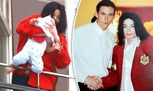 Michael Jackson locked himself away after balcony pics ...