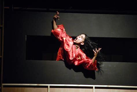 File:Kibbutz Contemporary Dance Company 2.JPG - Wikimedia ...
