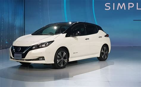 leaf electric car range nissan leaf electric car unveiled gets autonomous tech