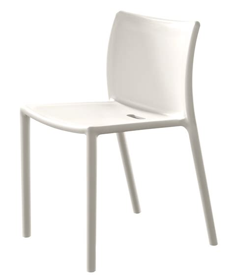chaises blanches design salle manger air chair stacking chair polypropylene white by magis