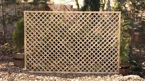 lattice fence garden lattice 17 best 1000 ideas about lattice garden on