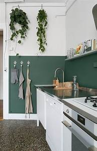 30 green kitchen decor ideas that inspire digsdigs With what kind of paint to use on kitchen cabinets for pictures for wall art