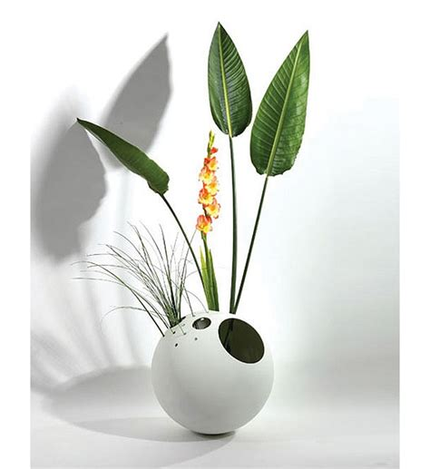 Flower Vases Designs out of the ordinary 18 creative flower vases designs