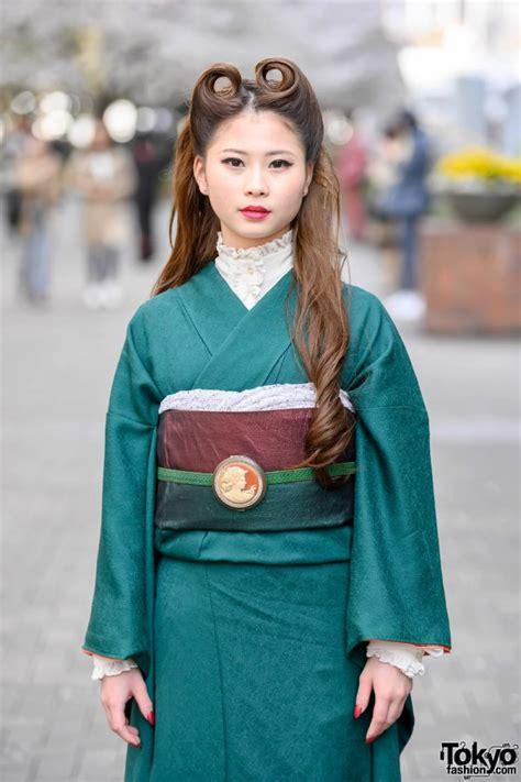 Vintage Japanese Kimono & Victory Rolls Hairstyle Street ...