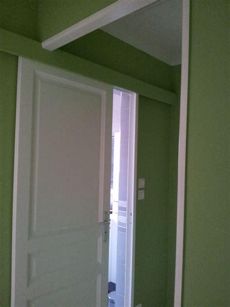 porte coulissante pour la salle de bain photo 3 6 on a peint en blanc le d 233 croch 233 qui 233 tait vert