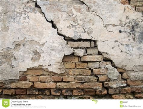 cracked wall royalty  stock photography image