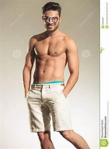 Photo Homme Sexy : homme sexy sans chemise posant avec ses mains dans des poches photo stock image 50882806 ~ Medecine-chirurgie-esthetiques.com Avis de Voitures