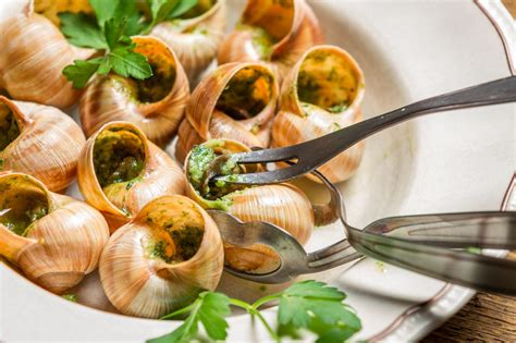cuisine escargot escargots à la bourguignonne magazine worldpass