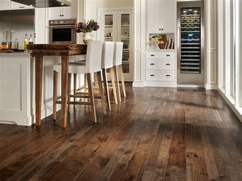 hardwood floors with cabinets 20 beautiful kitchens with wood laminate flooring