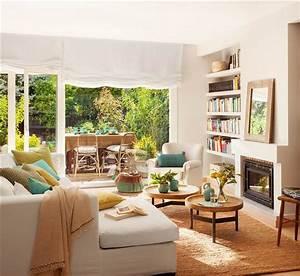 Reforma de una casa con terraza llena de plantas y color verde