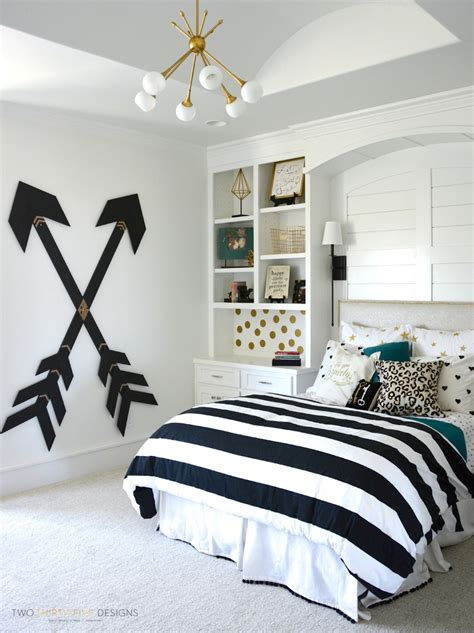 stylish teen s bedroom ideas homelovr 23 stylish teen girl s bedroom ideas homelovr 23 | Pottery Barn Teen Girl Bedroom with Wooden Wall Arrows