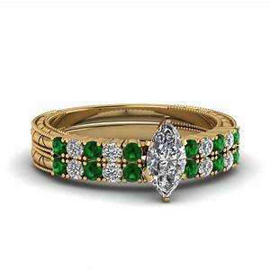Petite vintage marquise diamond wedding ring set with for Emerald green wedding ring