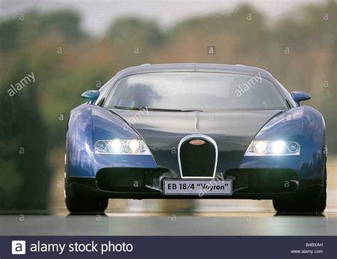 Bugatti veyron eb 16.4 1/18 production car pearl/ice blue diecast autoart 70908. 18 Stockfotos und -bilder Kaufen - Alamy