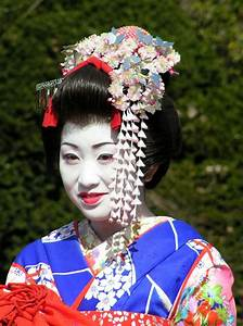 What are the differences between a Geisha, a Maiko and a ...