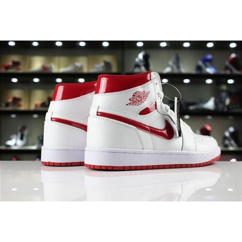 Air Jordan 1 Retro High Og Metallic Red Whitevarsity Red
